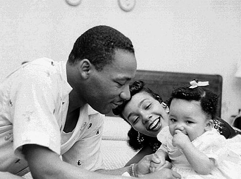 mlk-with-family